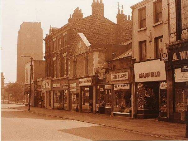 An AWESOME set of photos of the town centre... Worth a SHARE - I think so! :-)