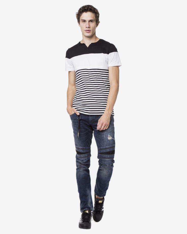 Jeans Barbati Riggs - Antony Morato Material: 98% bumbac, 2% elastan Croială: skinny Talie: regular Închidere: cu nasturi și fermoar