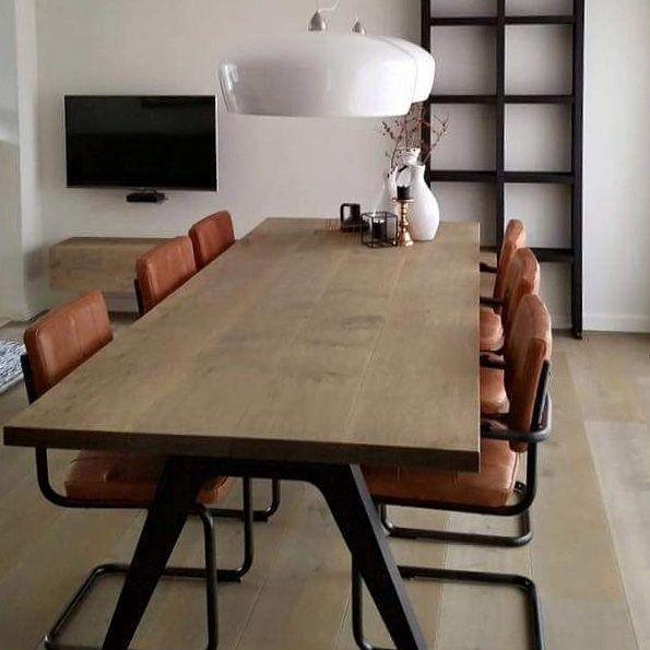 Meer dan 1000 idee n over witte stoelen op pinterest for Eettafel stoelen cognac