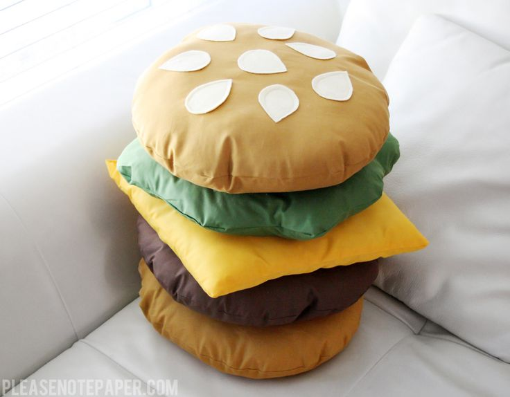 You might recall the no-sew burger costume I made for Halloween last year. Well, I decided to make something similar this weekend but this time I actually dragged my sewing machine out of the closet.