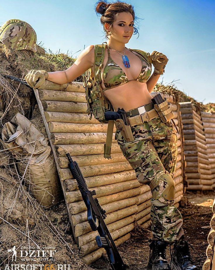 голые грудастые девушки милитари дрочат