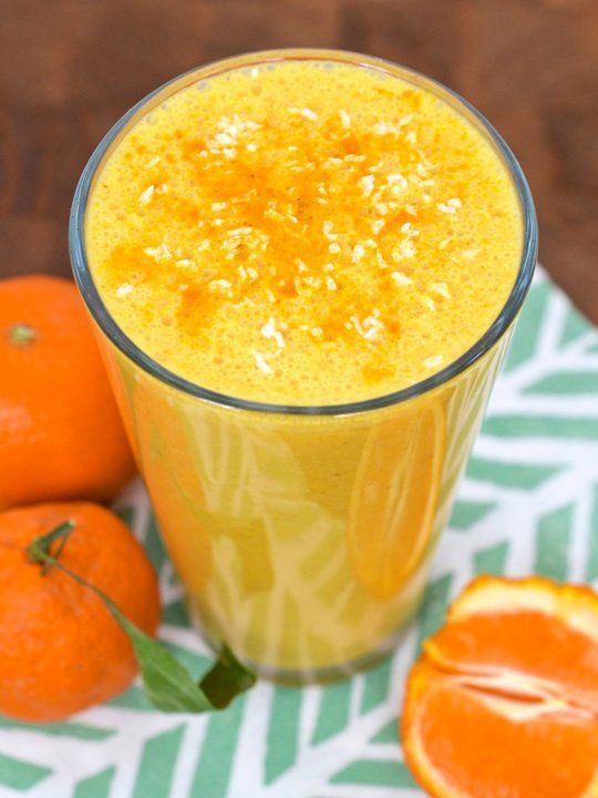 Sunshine Smoothie with Coconut, Clementine and Turmeric