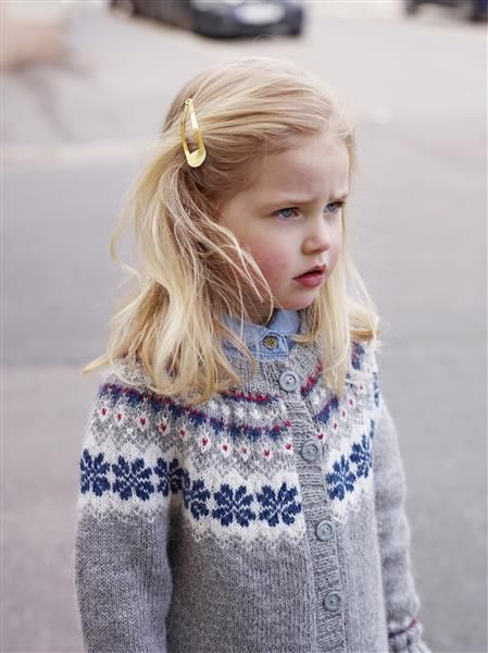 1410: Modell 5 Jakke med rundt bærestykke #alpakka #strikk #knit