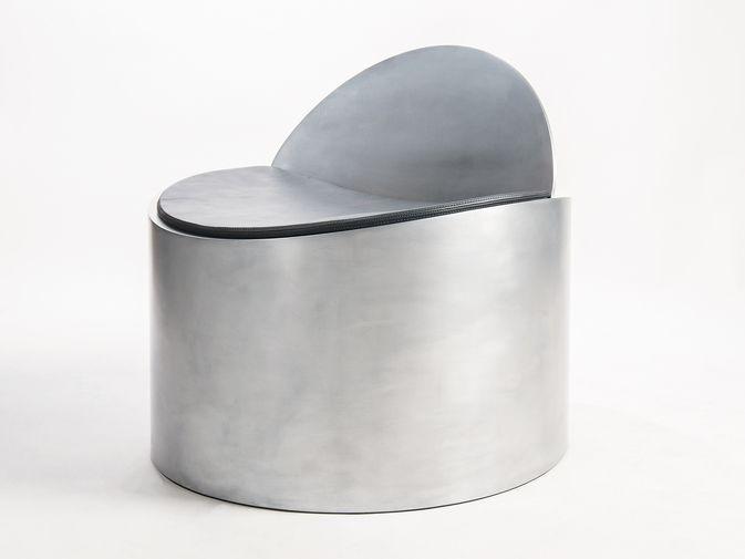 Jonathan Nesci . Rolled Chair