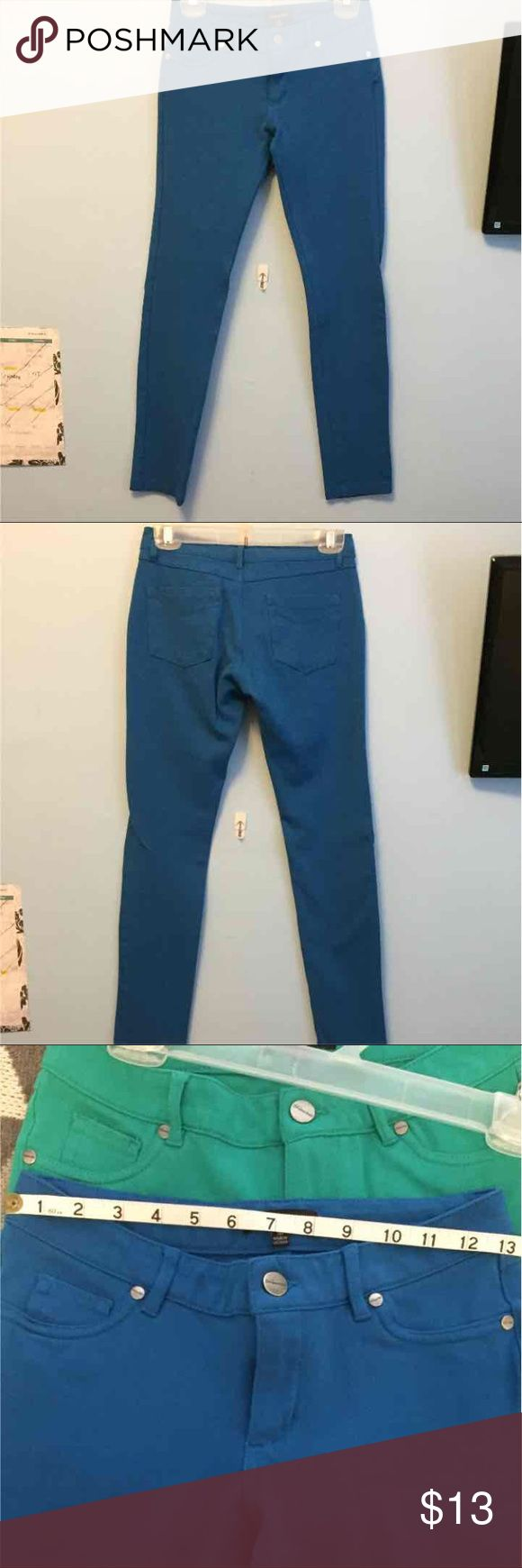 """Electric blue cotton stretch pants Electric blue cotton stretch pants. Size medium, waist measurement 26"""". Inseam 27"""". Front pockets are sewn closed. Lightly worn but in excellent condition  Price is negotiable and I'm willing to bundle. No swaps  #coloredpants #cottonpants Pants Skinny"""