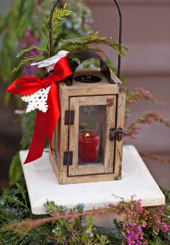 63 best images about outdoor holiday decorating ideas on for Outdoor christmas lantern decorations
