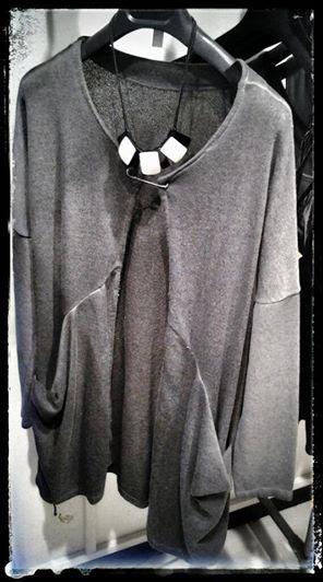 Collana ZSISKA Cardigan in felpa, molto di design.