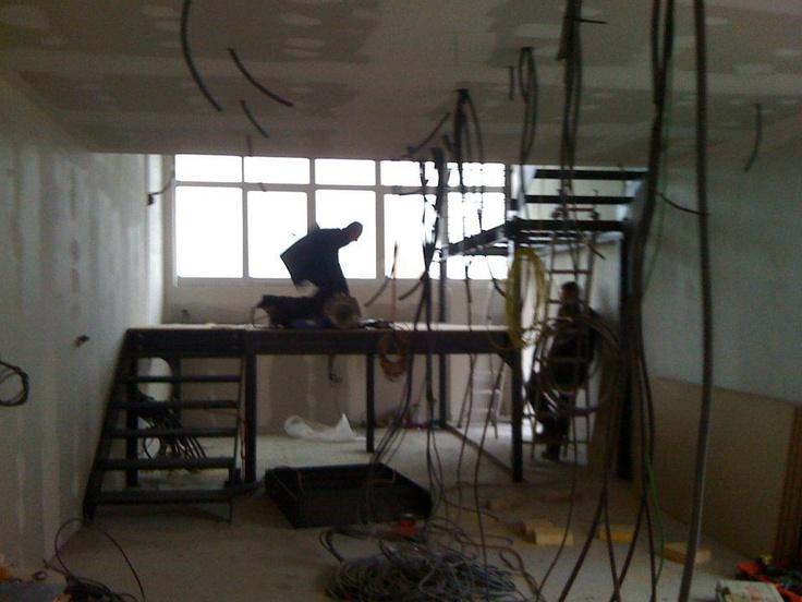 salon loft sur plateforme. Loft W.