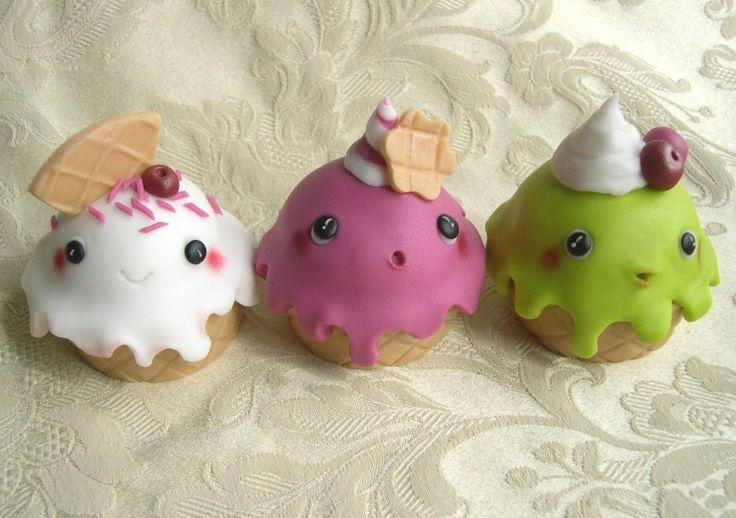 """giallozafferano: Cupcakes decorated """"Kawaii ice-cream cupcakes"""""""
