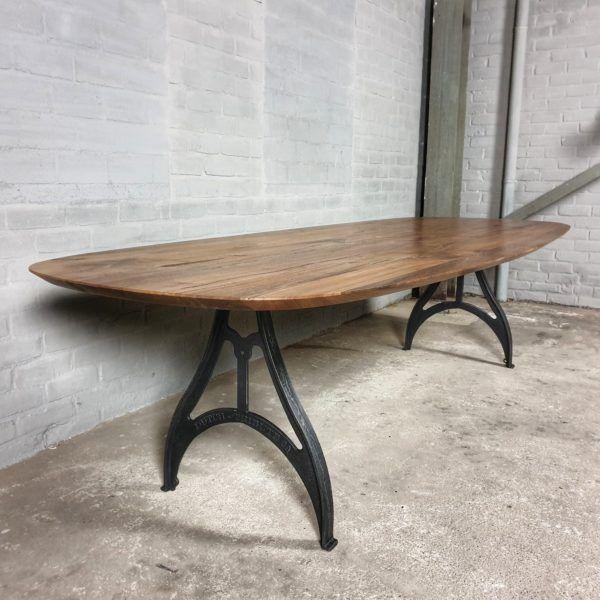 Höhenverstellbare Industrie Tisch & sonnenverbrannte Altholz