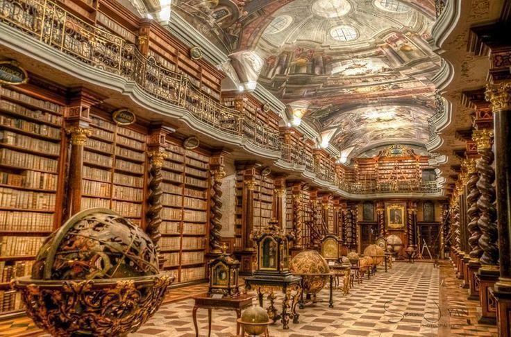 Strahover KlosterBibliothek, Prag; Library of Strahov Monastery, Prague; The Theological Hall; The Philosophical Hall