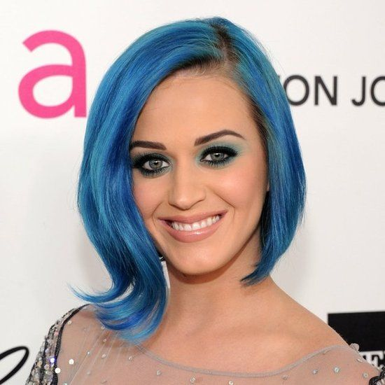 I generally love KP, but the blue halo of eyeshadow paired with the blue dark-rooted hair is just not pretty