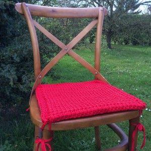 Une galette de chaise en trapilho et point tunisien