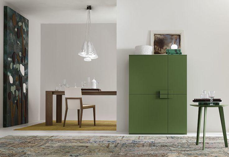 Complementi by ALF + DAFRÈ. LOFT, Madia con maniglia e zoccolo, finiture: opaco verde scuro.