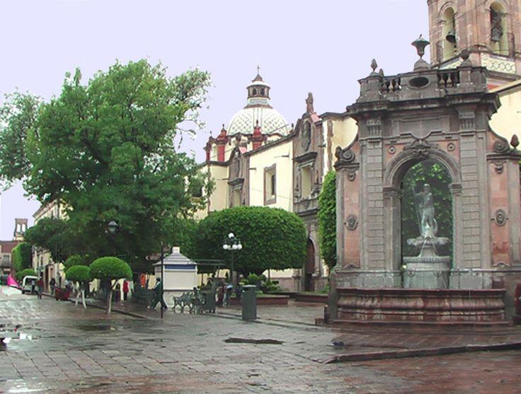 TEMPLO DE STA. CLARA Y FUENTE DE NEPTUNO. Portal Aquí Querétaro