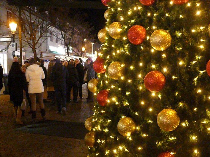 #berlin #weihnachtsmarkt #jarmark #świąteczny #bożenarodzenie #spandau #choinka #bombki