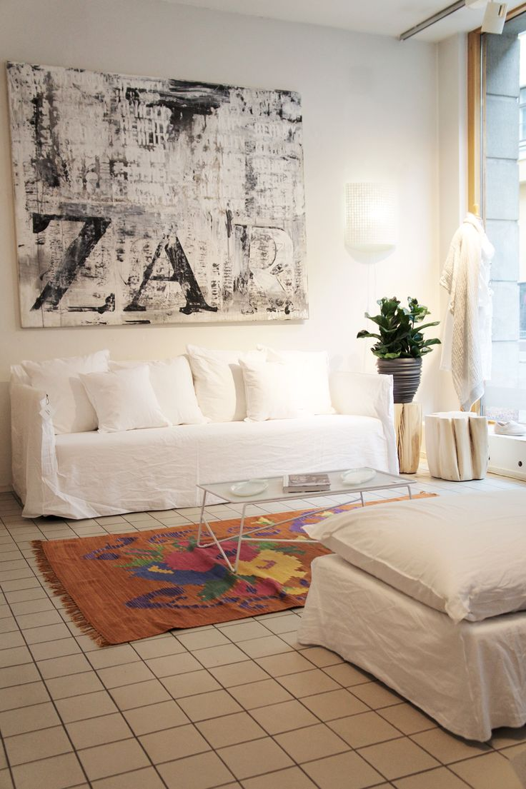 Some joyful color fixes the mood of a cloudy day...#casuarina #casuarinastore #gervasoni #lando #homedecor #homedecoration#decoration#interiordesign #interior #interiors #home #homedesign #homestyle
