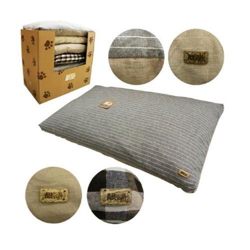 Disfruta de este colchón de la nueva Línea Eco de Animal Planet, que está en oferta a $15.500 rebajado desde $19.500 Emoticono wink Mide 39x22x 6″. Velo en http://bit.ly/CAP_Colchon_Eco