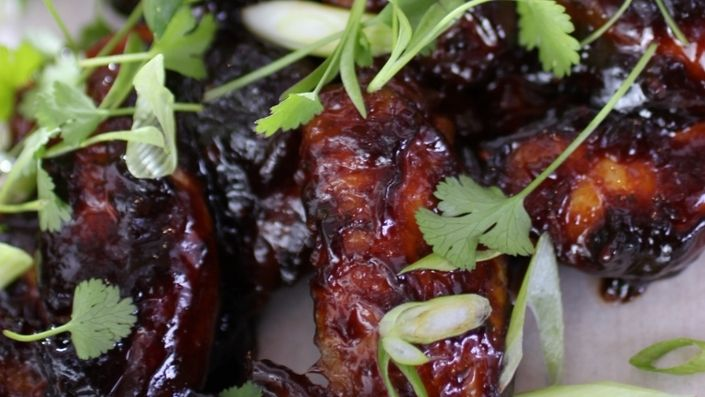 How to make the perfect Sticky Chicken Winglets by Siba Mtongana on Food Network UK.