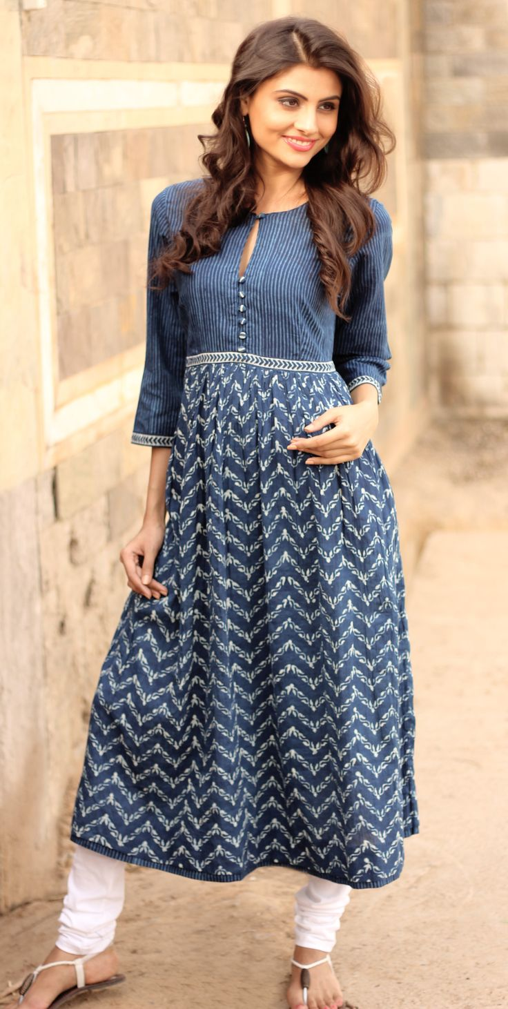 #indigo #natural #dyes #long #kurta #zigzag #prints #contemporary #Fabindia