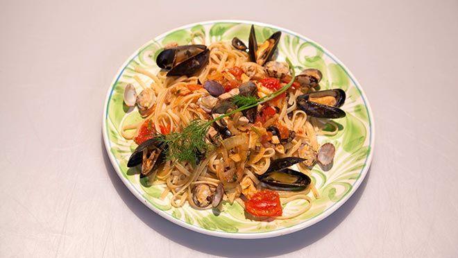 Linguine allo scoglio (linguine met zeevruchten) - recept | 24Kitchen