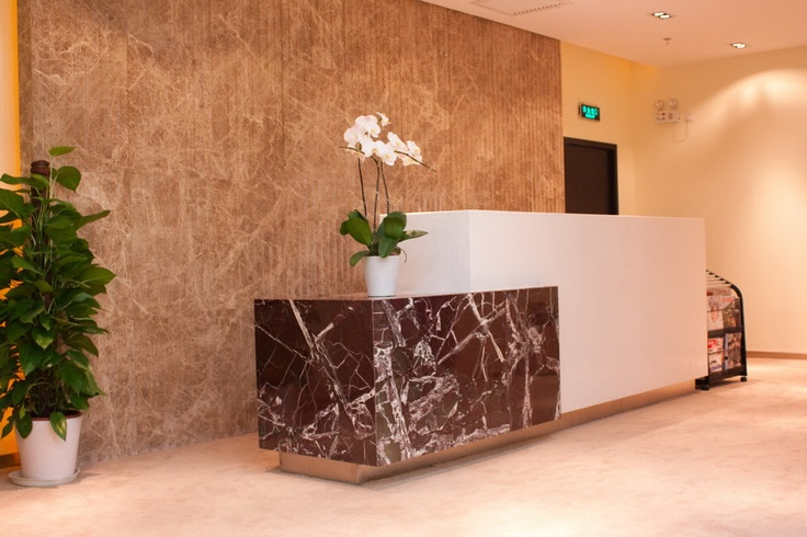 2 levels office reception per ada guidelines