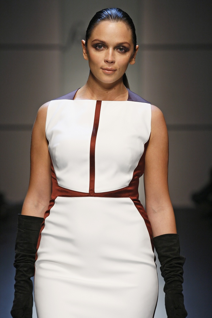 ForMe Elena Mirò FW 2013/14 fashion show  #forme #elenamiro #plus #size #fall #autumn #winter #collection #curvy #fashion #show #catwalk