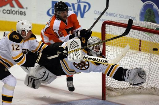 The Boston Bruins hockey god, Tim Thomas in action!