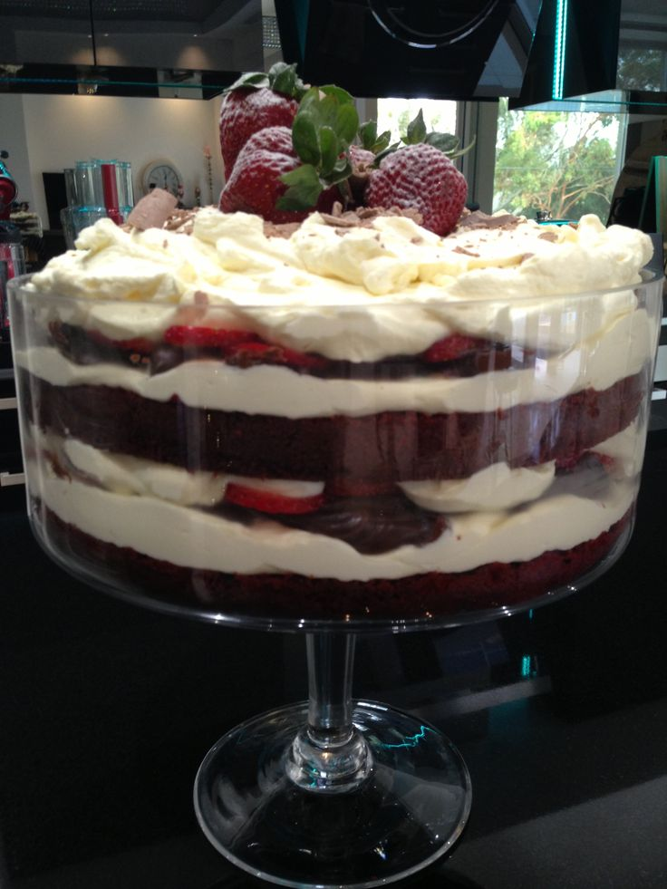 Red Velvet Trifle - Gorgeous Donna Hay recipe!