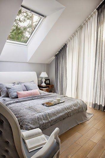 Attic bedroom. Jurnal de design interior - Amenajări interioare : Accente vesele de galben și albastru