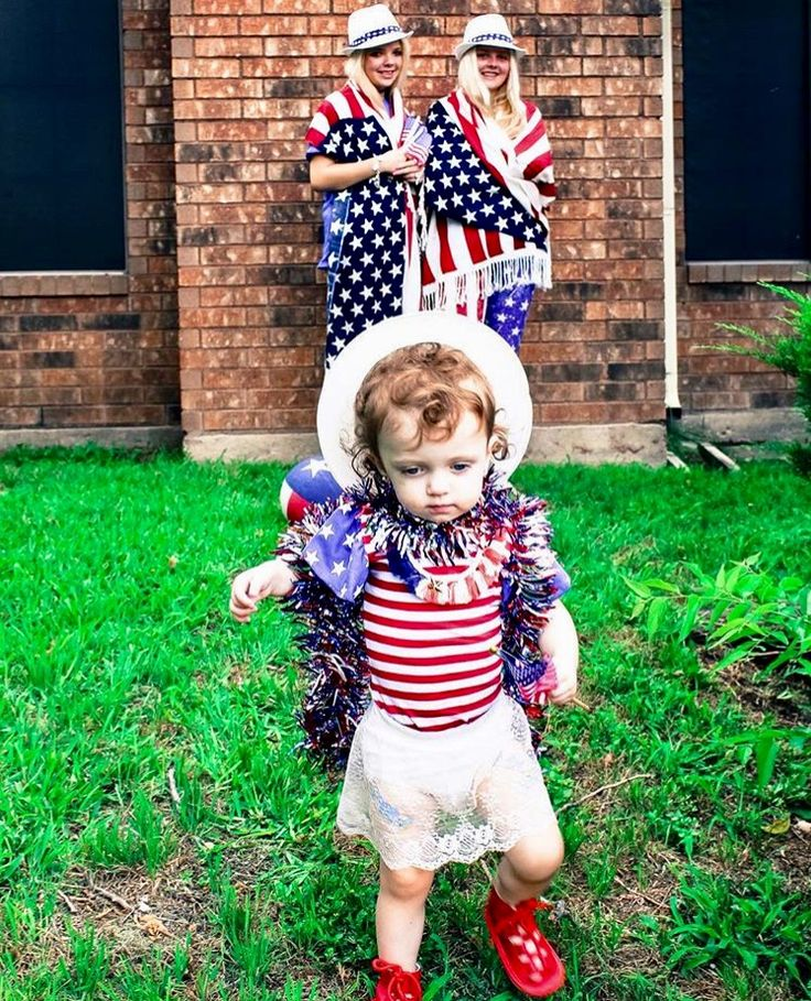 "#cindyism #busierthan #fireworks #fireworksstand #grandchildren #july4 #busyquotes #cindyismquotes #quotes #lifequotes #thepawningplanners #wendyworthamcindydaniel #busy ""My GRANDCHILDREN are BUSIER than, THE local FIREWORKS stand, ON the FOURTH of JULY"" God bless us all"