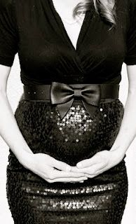 I could see both my girls in this cute maternity outfit! ;) - http://BleuVous.com