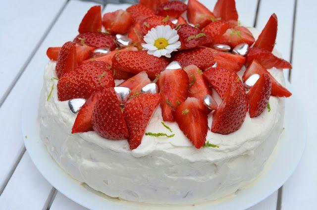 Tasty Health: Midsommartårta med jordgubb & limemousse (lyckad den här gången)