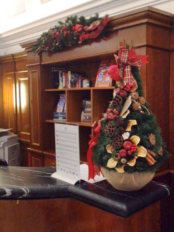 Decorazioni per alberghi - addobbi natalizi Roma e Lazio. www.laflorealedistefania.it