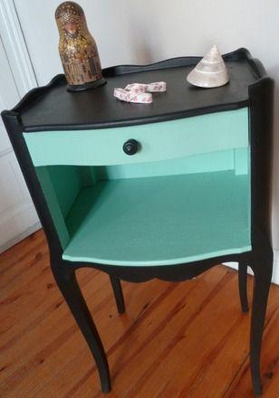 http://www.alittlemarket.com/meubles-et-rangements/joli_petit_chevet_en_bois_entierement_relooke_-7324875.html                                                                                                                                                                                 Plus