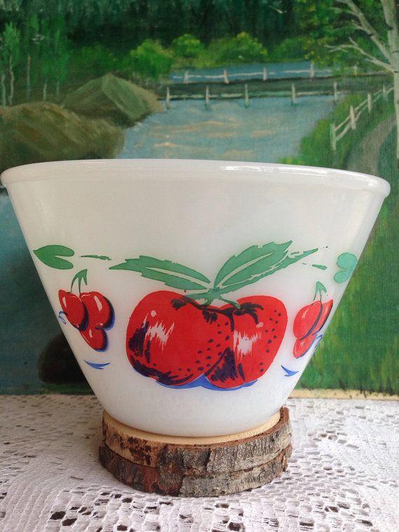 MINT 1950's Cherries & Apples 6.5 dia Bowl / Retro