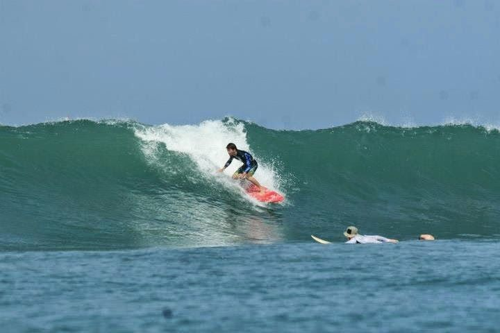 Bali Surf Guide: Bali surf tour, having great surf session in Bali...