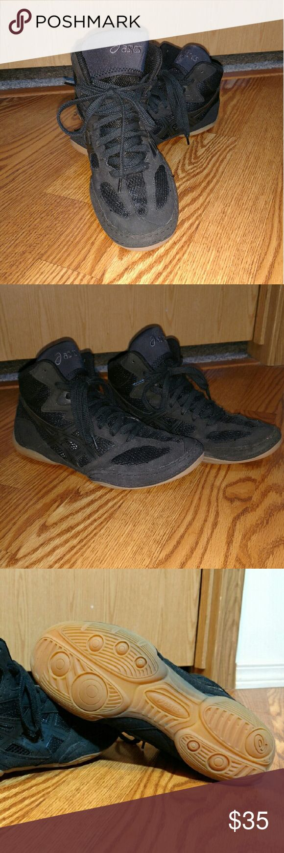 Asics Women's Wrestling Shoes Asics Women's Wrestling Shoes Size 8. Brand new. Haven't been worn. Asics Shoes Athletic Shoes