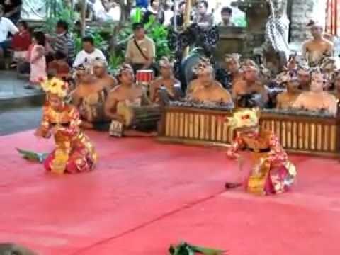 Legong Jobog Dance (story of the two monkey king brothers, Sugriwa and Subali from Ramayana story) by Pelegongan (Semara Patangian) Mekar Bhuana Orchestra group.