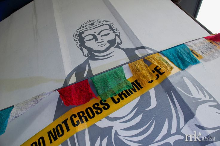 Do Not Cross by Konrad Iwanowski / Kolektyf, at Tibetan Gallery in Wola, Warsaw. Photo: Michał Kawka #Tibet  #Warsaw #Poland #Polska #StreetArt #Mural #Graffiti #Urban #Art