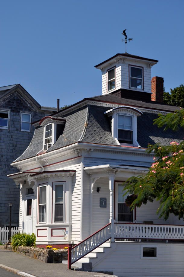 Colonial home that served as Dani and Max Dennison's home in Salem Ma.