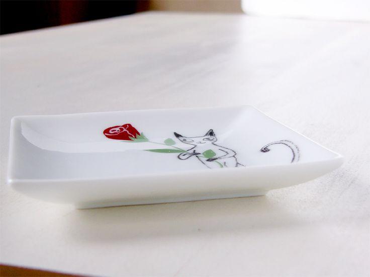 シンジカトウ 猫のイラストが可愛い 陶器の小皿  Shinzi Katoh