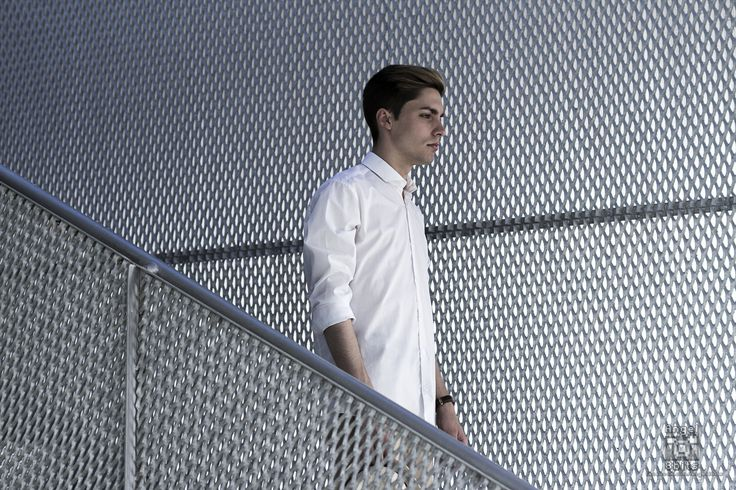 red - Model: Josem Lirola Pinto
