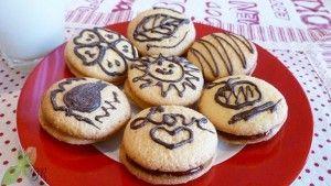 Biscuiti cu dulceata de capsuni