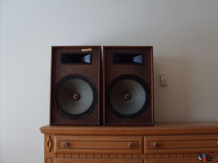 """vintage magnavox s073 speakers, horn tweeters, 15"""" woofers"""
