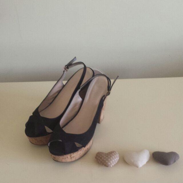 VENDO queste paia di scarpe a malincuore, sono state il ...