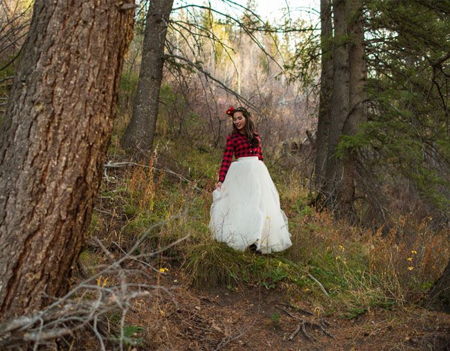 """Shabby Apple's new """"Winter Wonderful"""" holiday collection features a stunning array of breathtaking ball skirt that are completely perfect for winter weddings + parties! Brides can pairone of their long tulle skirt with a fun plaid shirt, and outfit their bridesmaids in one of the complementing plaid ball skirts…the perfect pairing for a rustic, winter […]"""
