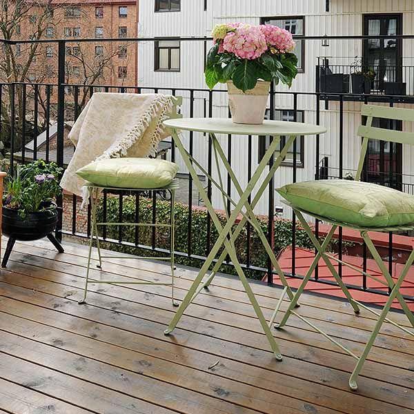 Best 25+ Small balconies ideas on Pinterest | Balcony ideas, Small ...