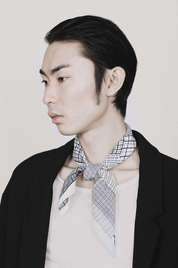 "SuTurno ""Notas b&w"" silk scarf www.suturno.net/ Photo: Lourdes Cabrera www.lourdescabrer... Model: Yohei Oki"