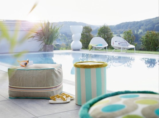 Pool-Party mit Zimmer + Rohde Stoffen